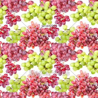 Abstract Seamless Pattern With Purple And Green Grapes. Isolated On White Background. Close-up. Studio Photography Stock Photo