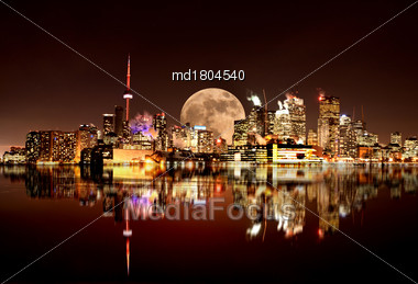 Full Moon Toronto Skyline City Lake Ontario Pier Stock Photo