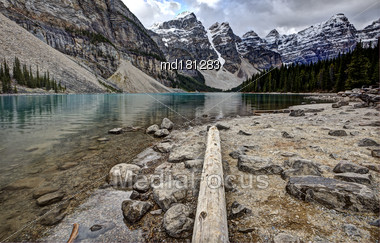 Morraine Lake Alberta Seven Sisters Mountains Rocky Stock Photo