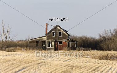 Prairie Abandoned Homestead In Saskatchewan Canada Winter Stock Photo