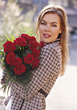 woman dozen-roses gift affection