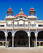Pond Mysore Palace, Mysore, Karnataka State, India stock photography